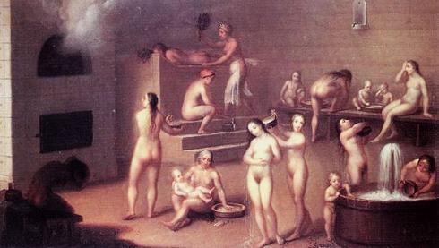 Женщины в общей бане фото #2
