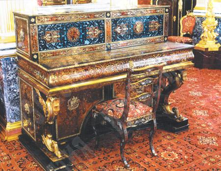 Пианино в кабинете